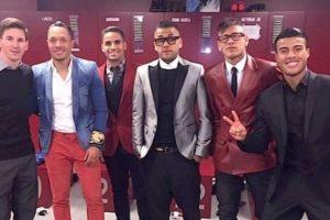 En 2015, Neymar compartió esta foto y Messi recibió burlas por su look tan formal. Foto:Instagram. Imagen Por:
