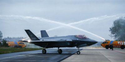 El avión de guerra más caro de la historia está listo para el combate
