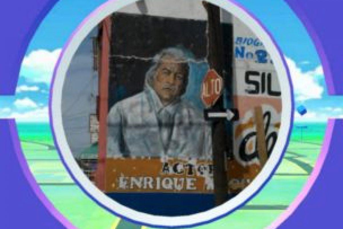 Mural a Enrique Rocha por hacer algo bueno. Foto:Twitter. Imagen Por: