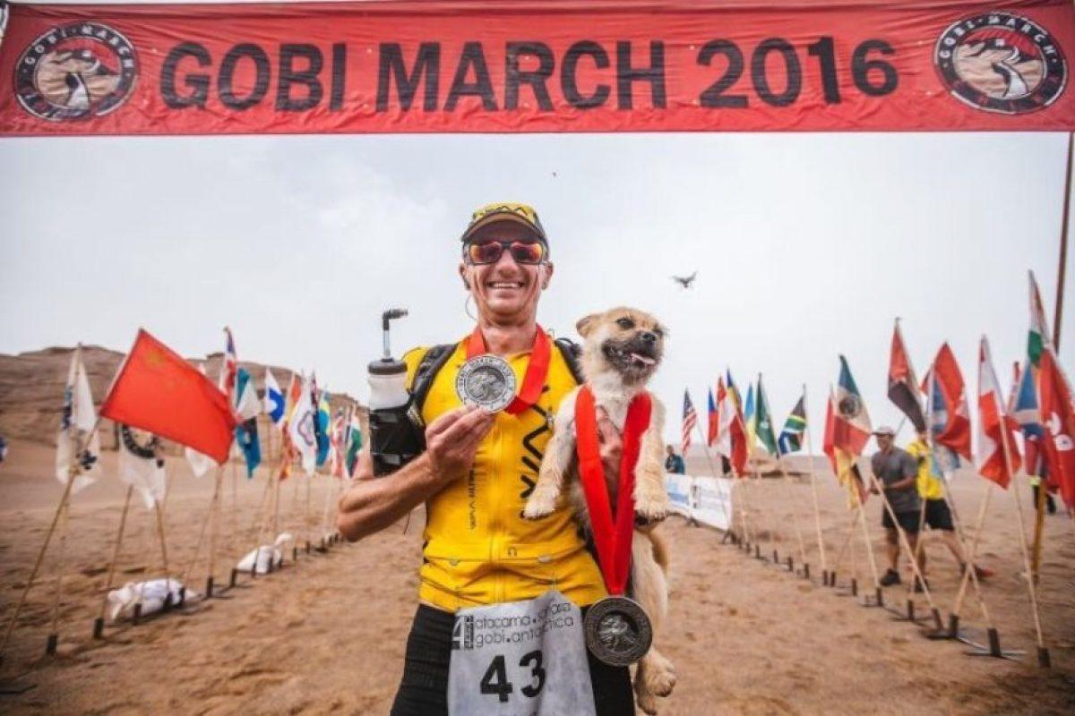 Terminaron juntos la carrera que duró siete días Foto:Crowdfunder.co.uk/bring-gobi-home. Imagen Por: