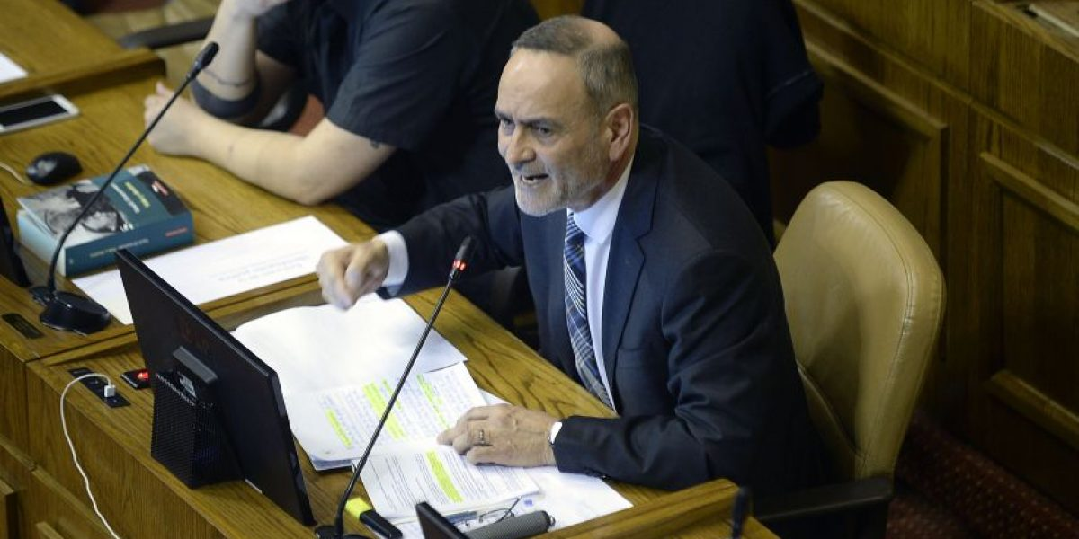 Diputado Saffirio anuncia acusación constitucional contra ministra Blanco