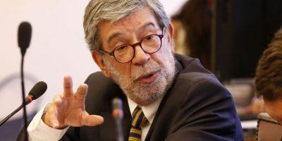 Diputado Schilling se disculpó por insultar a las tribunas durante interpelación contra ministra Blanco