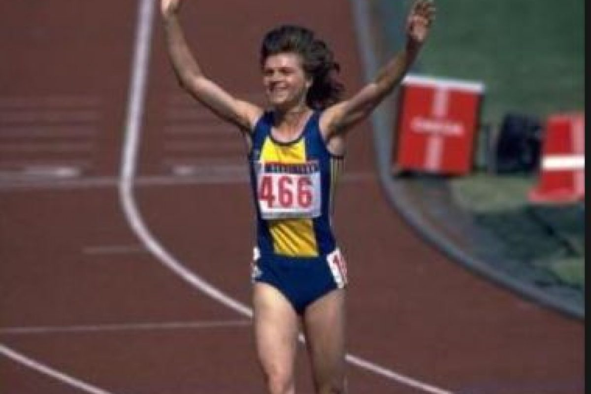 1500 metros – Paula Ivan (Rumania). Tiempo: 3:53.96 – Seúl 88 Foto:Getty Images. Imagen Por: