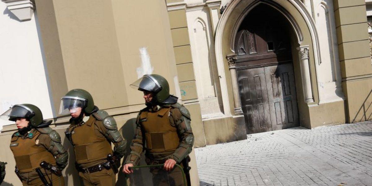 Encapuchados atacan nuevamente la iglesia de la Gratitud Nacional