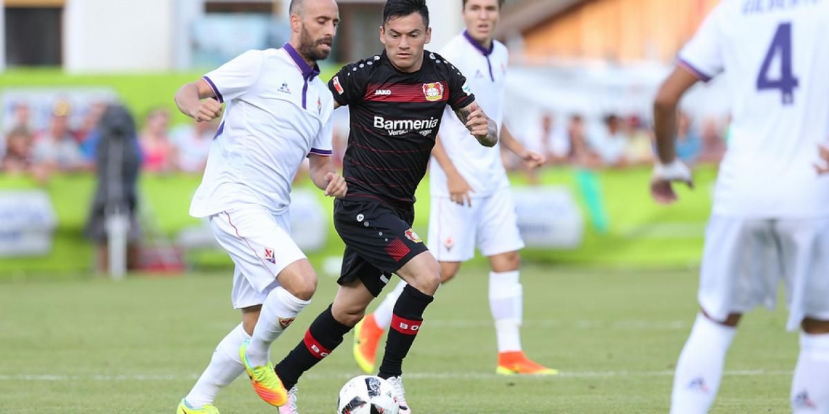 Matías Fernández regresó a las canchas en amistoso frente al Leverkusen de Aránguiz