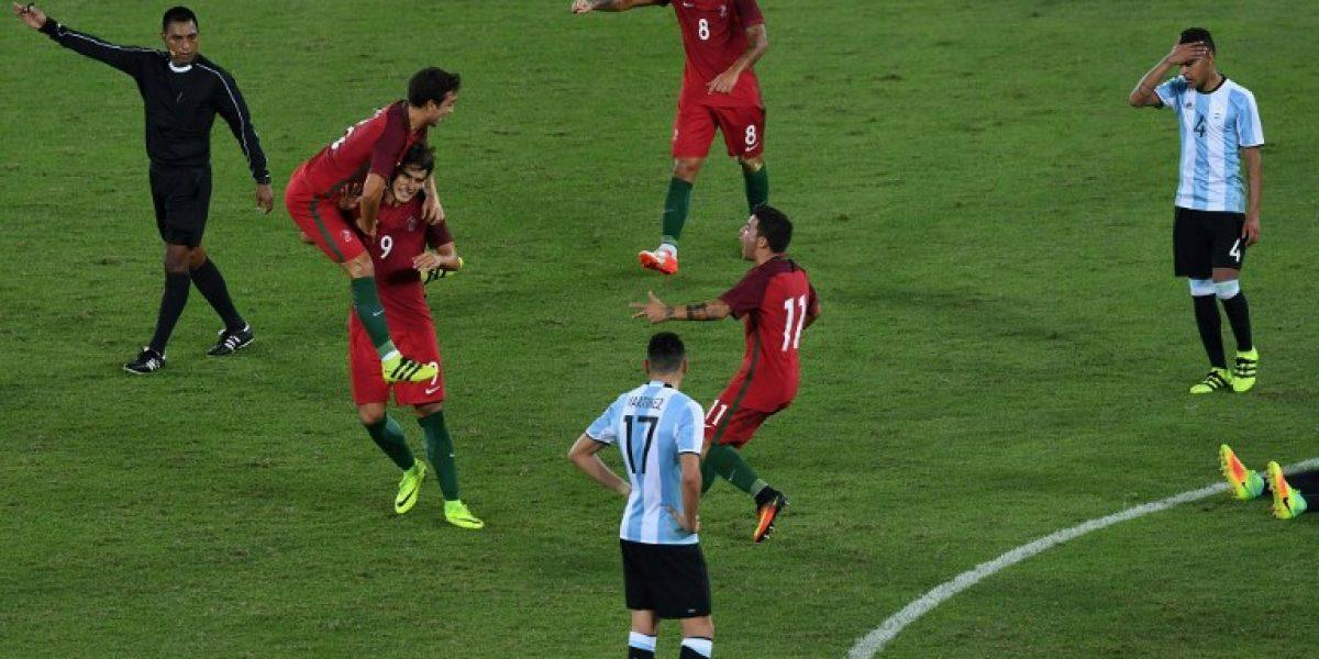 Argentina tuvo un mal estreno en el fútbol olímpico al caer con Portugal