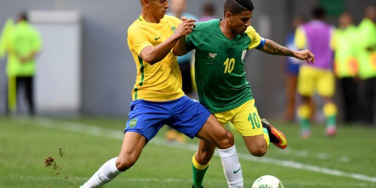 Brasil sigue decepcionando al debutar con un empate en el fútbol olímpico