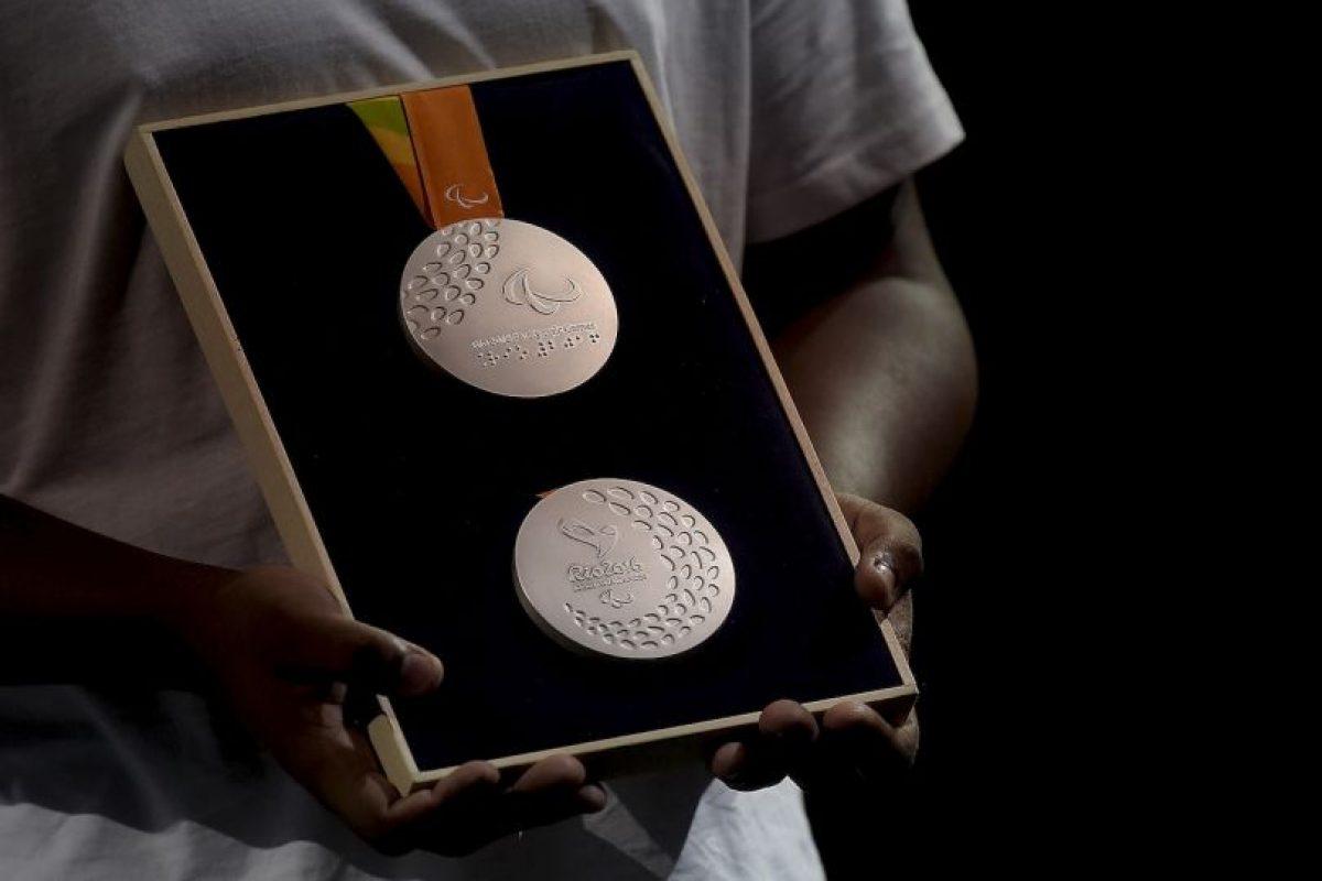Nelson Carneiro Neto fue el escultor que hizo el molde de las medallas Foto:Getty Images. Imagen Por: