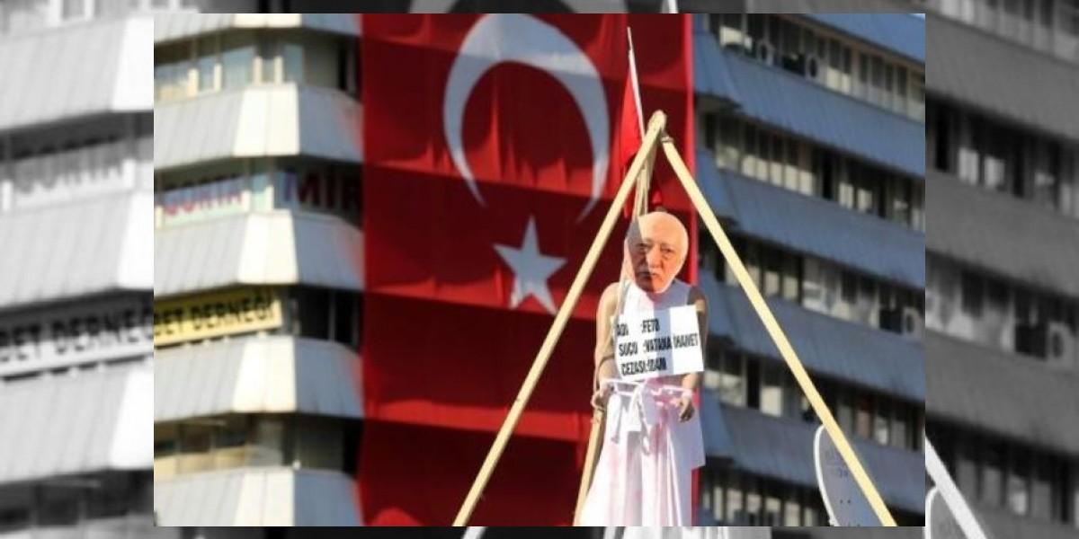Turquía emite una orden de arresto contra Gülen tras la intentona golpista