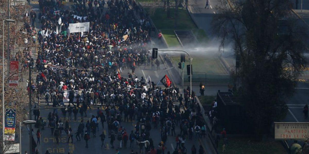 """Confech por dichos de Orrego tras marcha: """"El Intendente está mostrando su cara más autoritaria"""""""