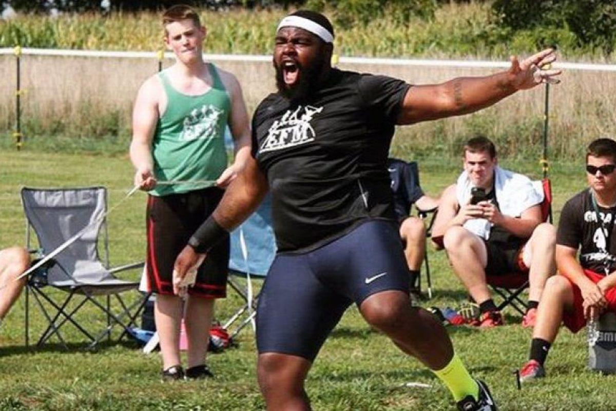 Él es Darrell Hill, competirá en el lanzamiento de bala Foto:Twitter.com/B1GHomie. Imagen Por: