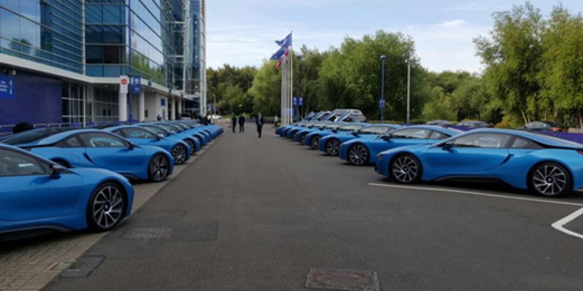 Un jefe de verdad: Dueño del Leicester regaló autos de casi $100 millones a sus jugadores