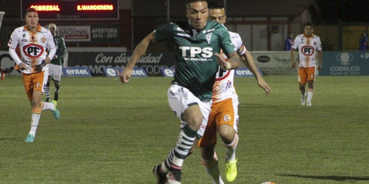 Miguel Escalona fue el único protagonista del empate Cobresal-Wanderers en El Salvador