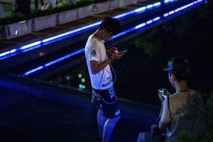 Ahora, muchos que antes no querían salir de su casa o, peor aún, de su cama, corren por las calles buscando pokémon. Foto:Getty Images. Imagen Por: