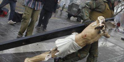 Detienen a encapuchados que destruyeron Cristo en iglesia de la Gratitud Nacional