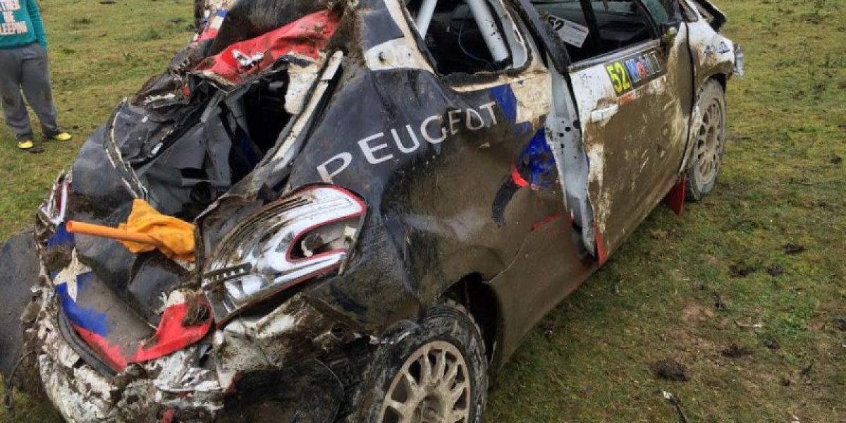 El espectacular volcamiento del sobrino de Carlos Heller en el RallyMobil