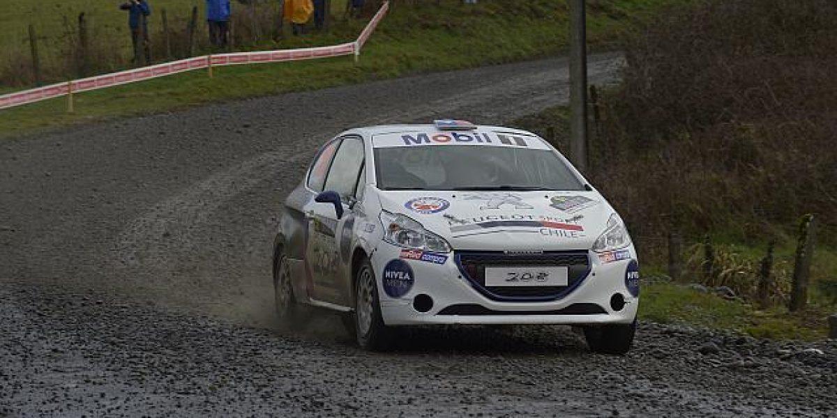 Alberto Heller presiona al líder Samuel Israel y ganó la jornada del RallyMobil en la R2