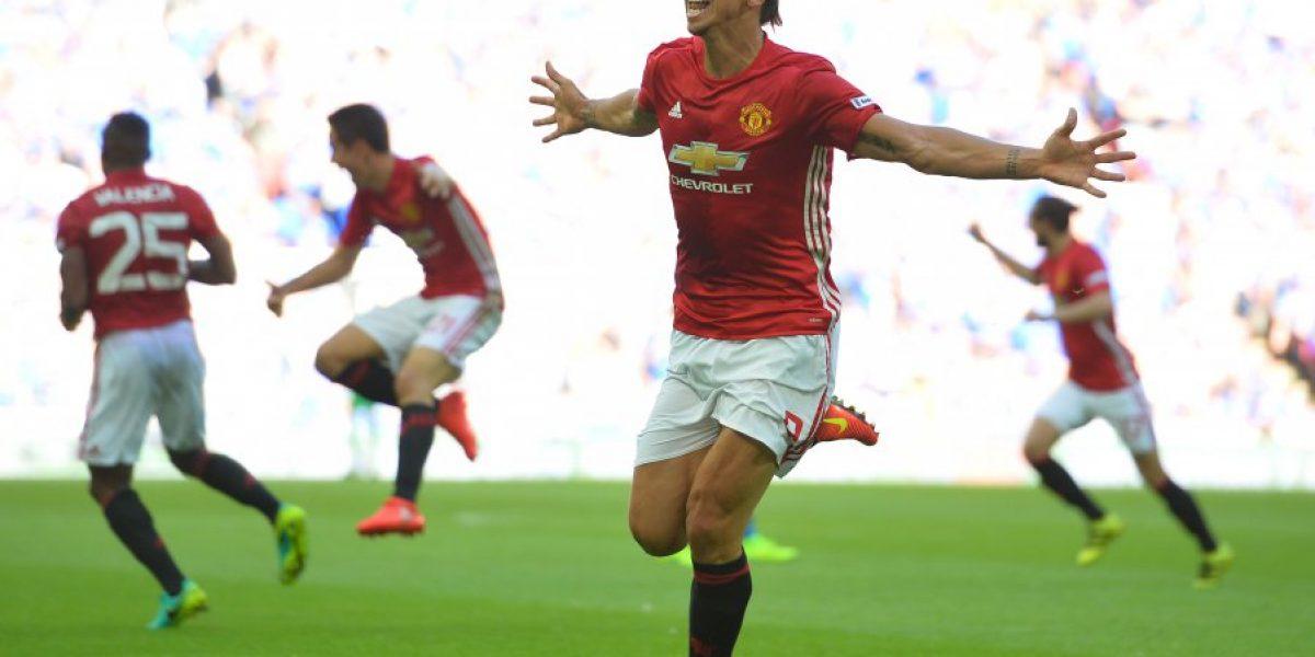 Zlatan Ibrahimovic condujo al Manchester United a su primer título en la era Mourinho