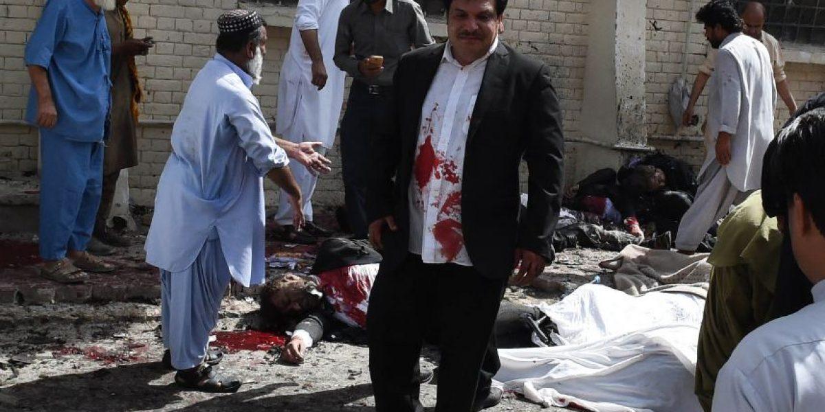 Al menos 70 muertos en atentado con bomba en hospital de Pakistán