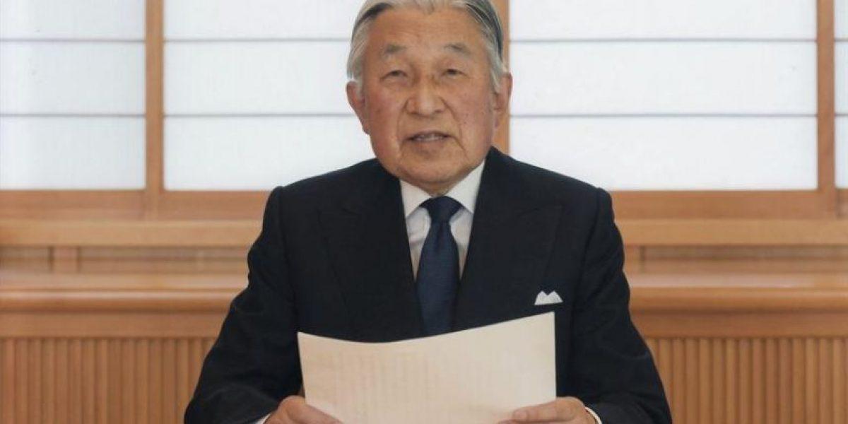 Emperador de Japón admite
