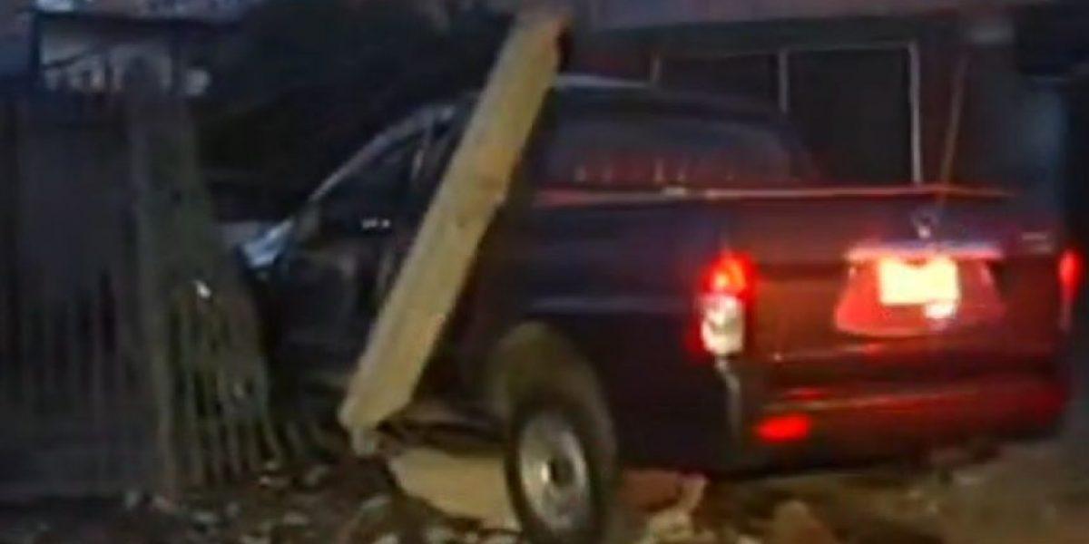 Sujeto robó camioneta y terminó su escape destruyendo vivienda en La Florida
