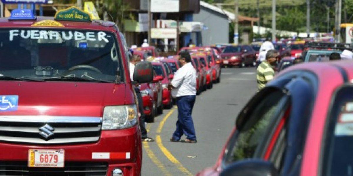 Suma y sigue: ahora taxistas de Costa Rica protestan contra Uber