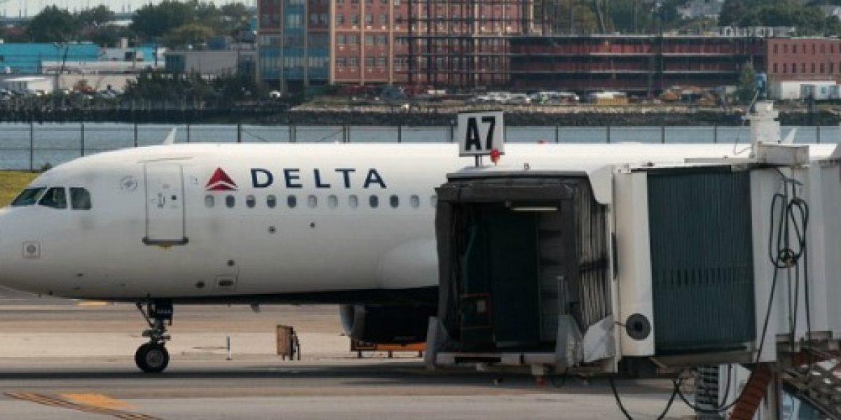 Delta anuncia 300 nuevas cancelaciones en vuelos tras fallo informático