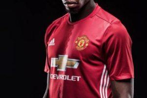 1. Paul Pogba. 116 millones de euros pagó Manchester United por regresar a sus filas al galo Foto:Facebook. Imagen Por: