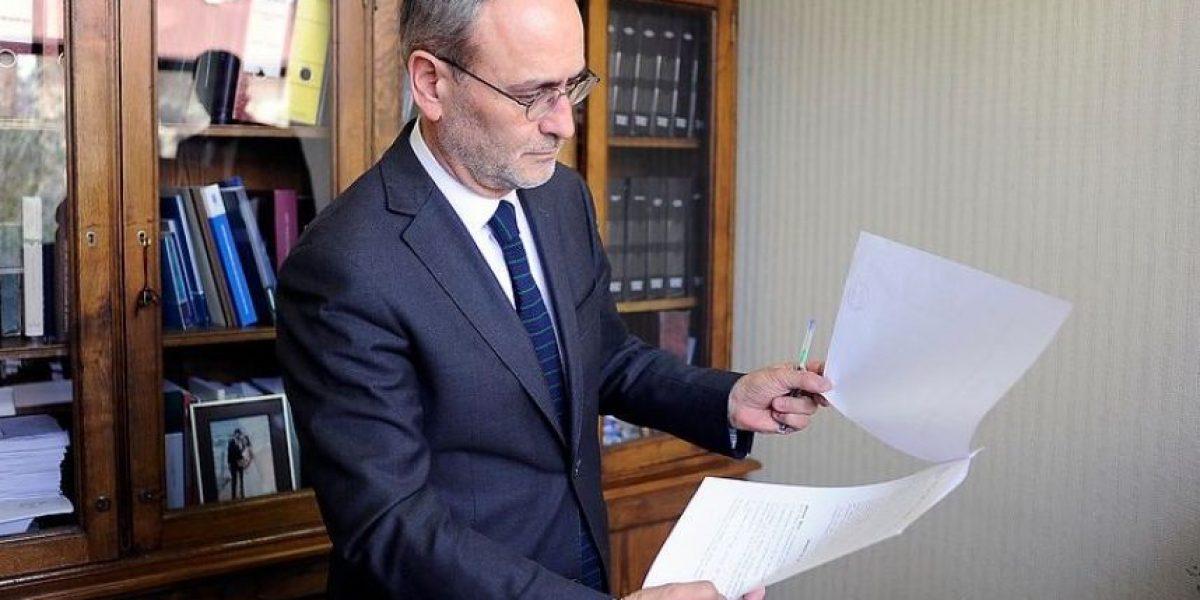 Saffirio da a conocer los tres puntos de su acusación constitucional contra ministra Blanco