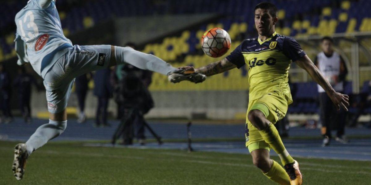 La U de Conce tuvo estreno triunfal en la Sudamericana de la mano de Meneses
