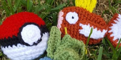 Joven se luce en Instagram jugando Pokémon Go con figuras tejidas a crochet