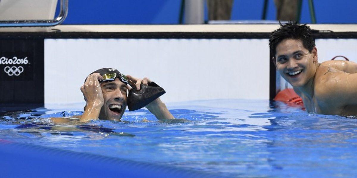 El singapurense Schooling entra en la historia al robarle un oro a Phelps