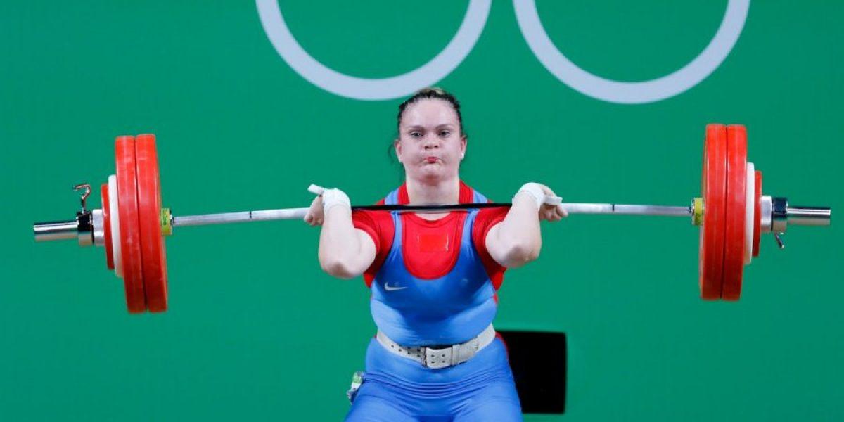 La pesista María Fernanda Valdés finalizó en un meritorio 7º puesto en Río