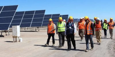 Desierto de Atacama: ministro de Bienes Nacionales visitó planta solar más grande de Sudamérica