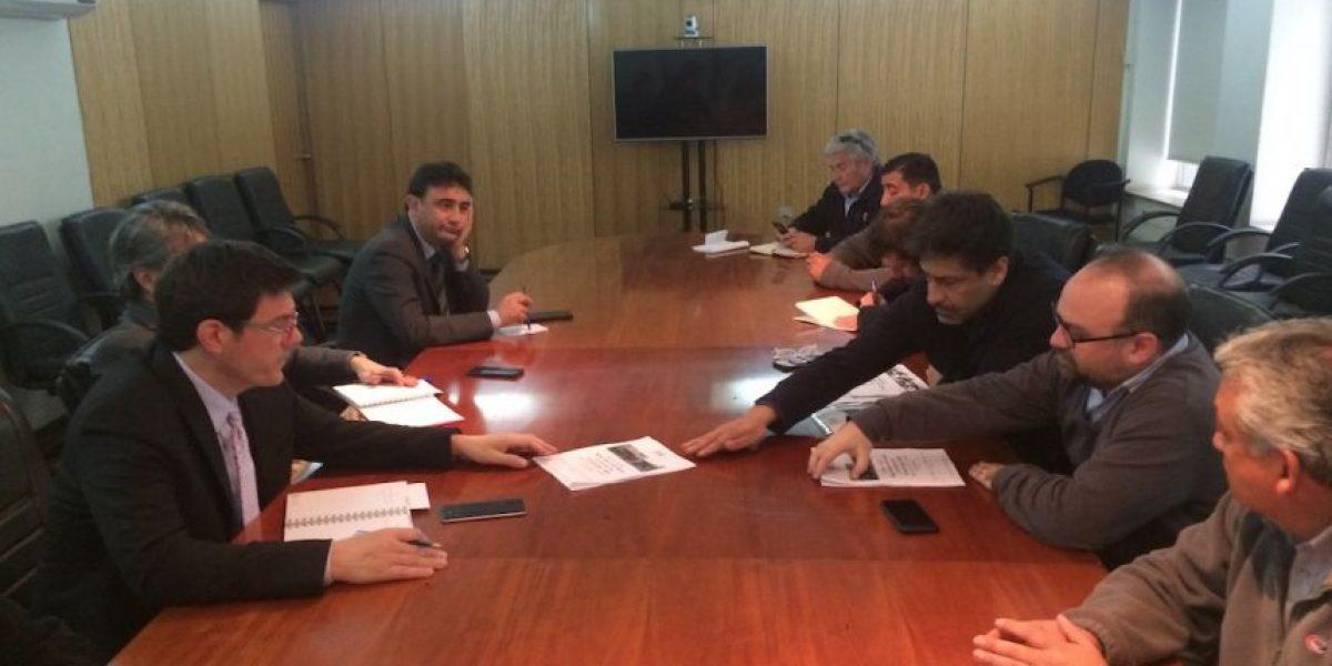 Mesa Social por un Nuevo Transantiago entregó su propuesta al ministro de Transportes