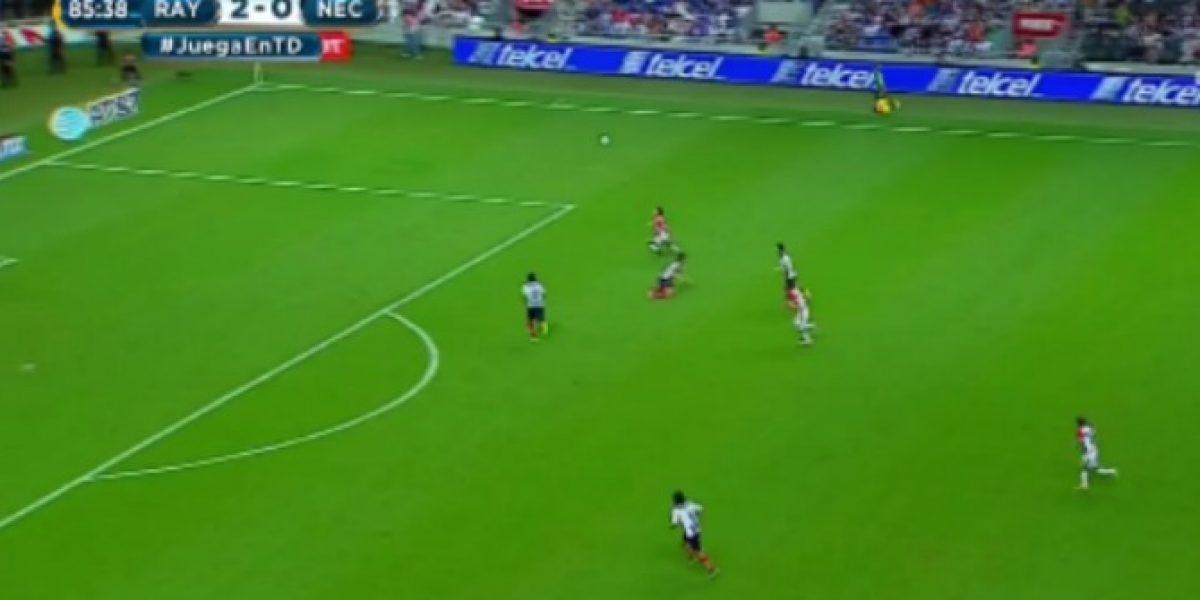 Edson Puch se despachó un soberbio golazo en caída del Necaxa ante Monterrey