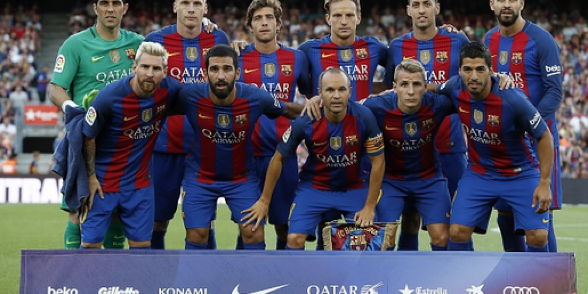 Representante de Claudio Bravo viajará a Barcelona y presentaría oferta del Manchester City