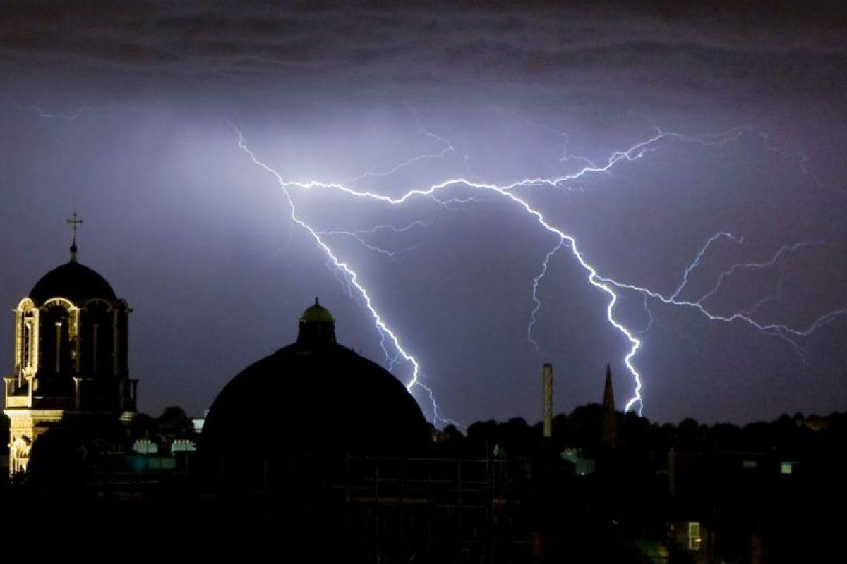 Hay ciertos factores que facilitan que un rayo golpee cierto lugar. Foto:Getty Images. Imagen Por: