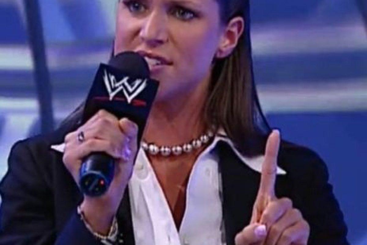 Es la comisionada de Raw Foto:WWE. Imagen Por: