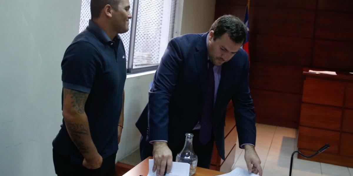 ByN deberá pagarle $370 millones al Chupete Suazo tras despedirlo