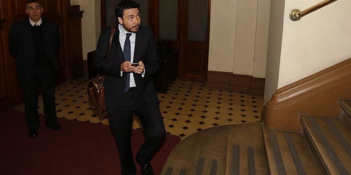 Caso Corpesca: Abbott remueve a fiscal Arias tras entrevista