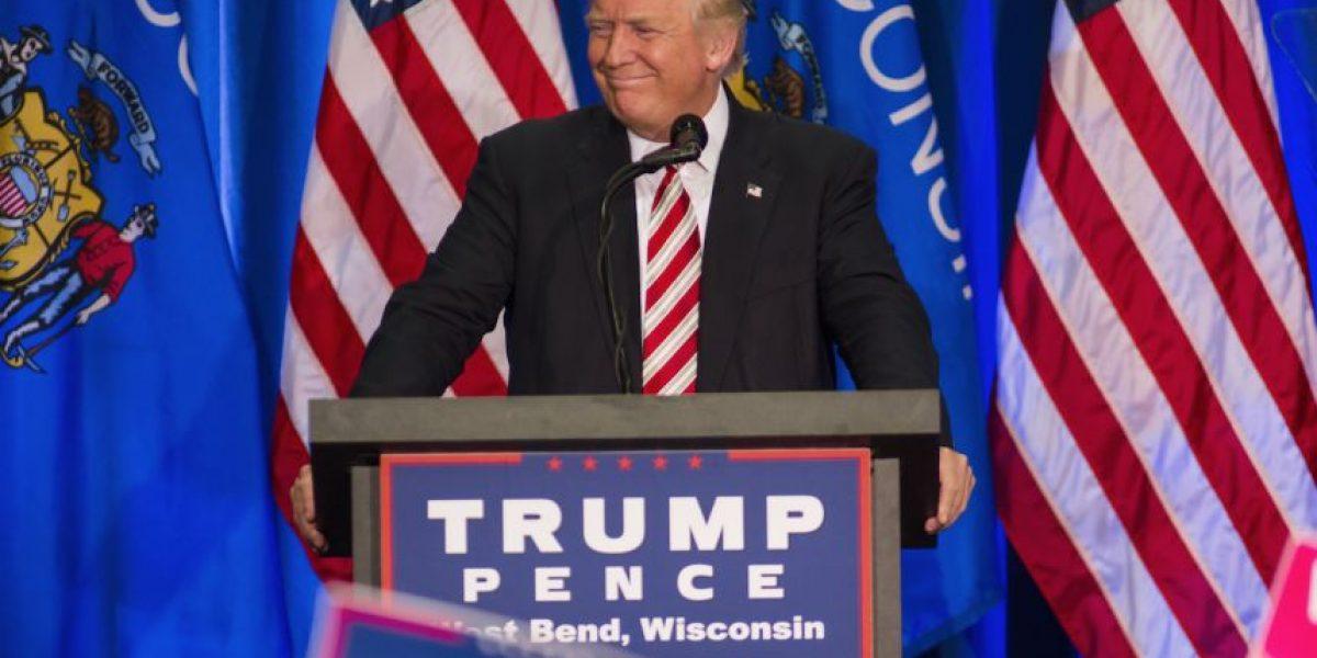 Caída en las encuestas lleva a Trump a cambiar su equipo de campaña