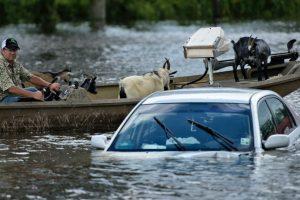 """El gobernador de Luisiana, John Bel Edwards, habló de inundaciones """"sin precedentes"""", que obligaron a socorrer a unas 20.000 personas. Foto:Afp. Imagen Por:"""
