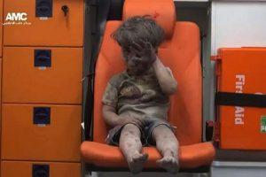 Omra se convirtió en el rostro de cinco años de guerra Foto:AFP. Imagen Por: