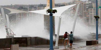Armada alerta que olas de hasta 4 metros llegarán a Isla de Pascua y la zona norte