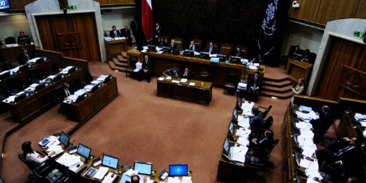Senadores presentan moción para que afiliados puedan retirar parte de sus fondos de la AFP