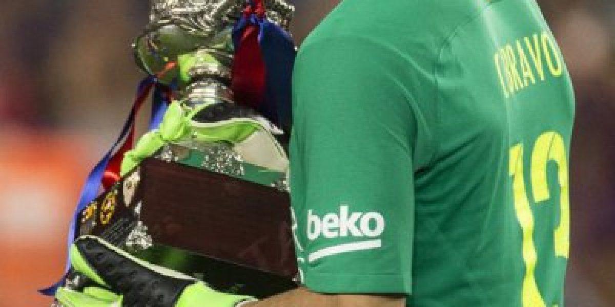 ¿No se va Bravo? Luis Enrique no quiere que el chileno se vaya del Barça