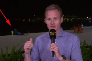 El incómodo momento que se vio en la televisión británica Foto:Twitter.com/BBCSport. Imagen Por: