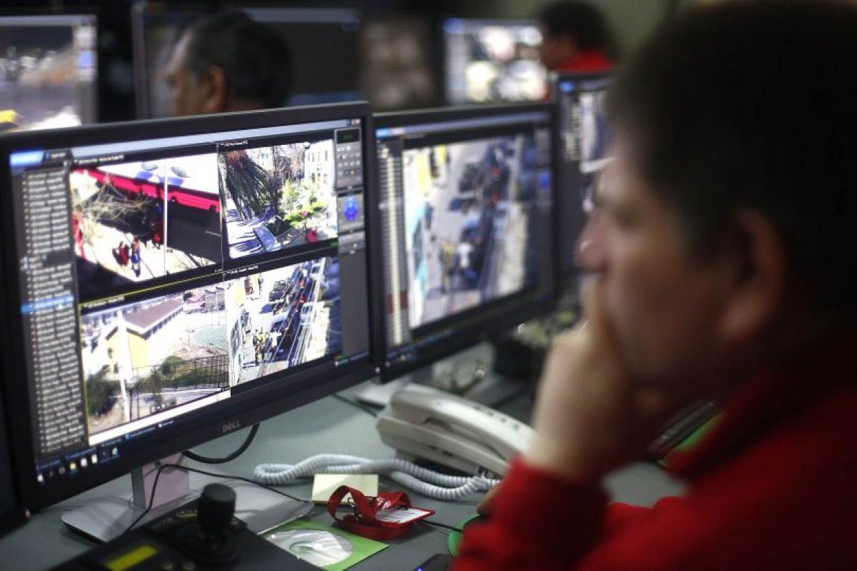 Image CaptionLa red de cámaras y la sala de monitoreo -que serán operadas por personal municipal especialmente capacitado- fueron financiadas con aportes de la Subsecretaría de Prevención del Delito del Ministerio del Interior Foto:Aton. Imagen Por: