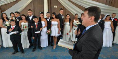 Colombia: 17 presos se casan en boda colectiva en la cárcel